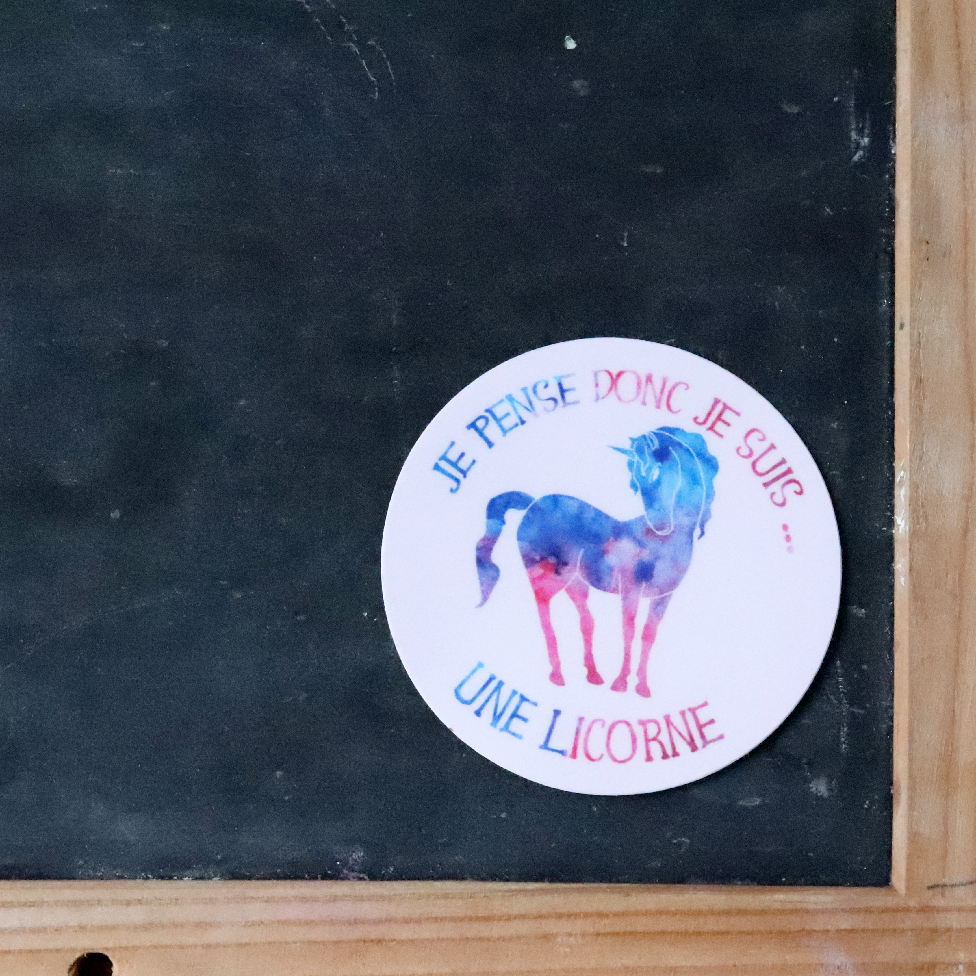 "sticker ""je pense donc je suis...une licorne"""
